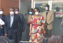 Photo of RD Congo : Olive Lembe KABILA fait un don de 400 cures de chloroquine à l'INRB