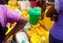 Photo of Kinshasa : l'eau, première denrée d'approvisionnement avant le confinement à Ngaliema